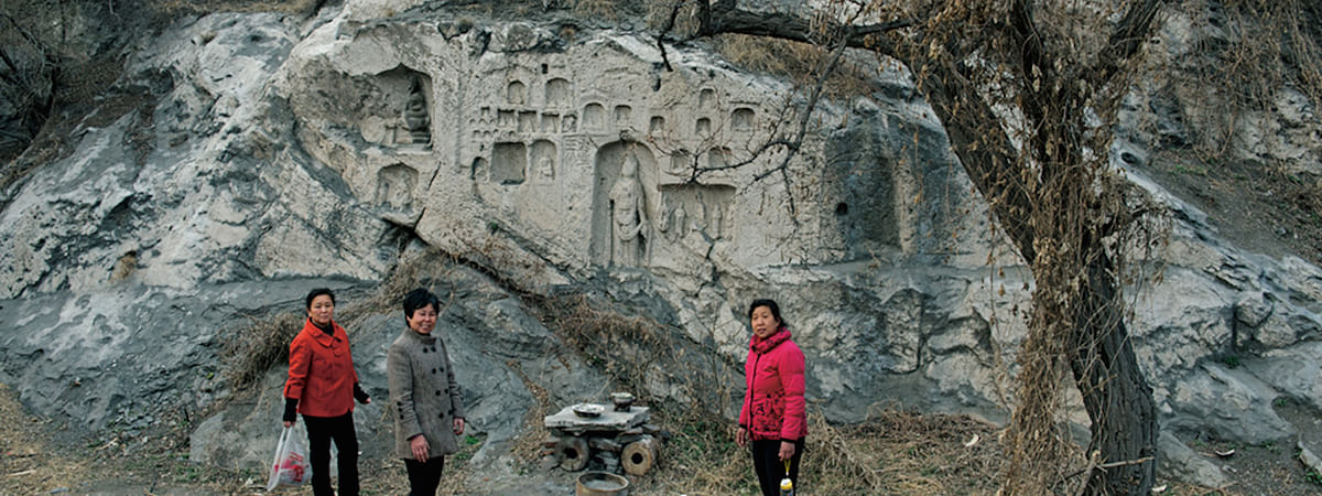 Buddhist cliff carvings found in Hebei