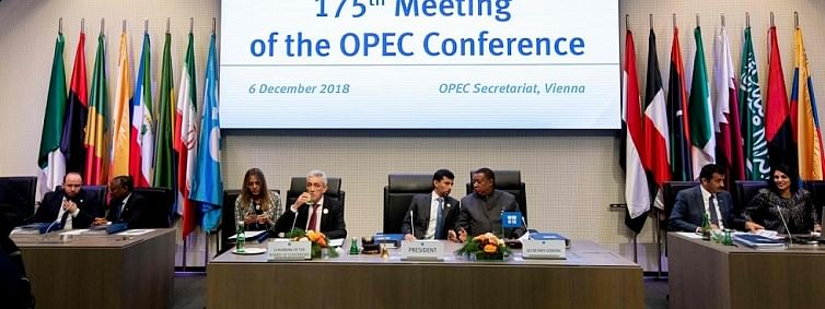 OPEC for sufficient oil output cut