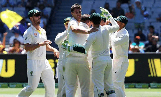 Indian batsmen crash at Melbourne; India 54/5