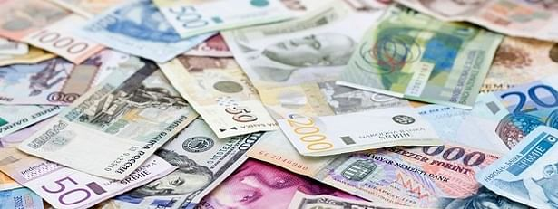 Major currencies up