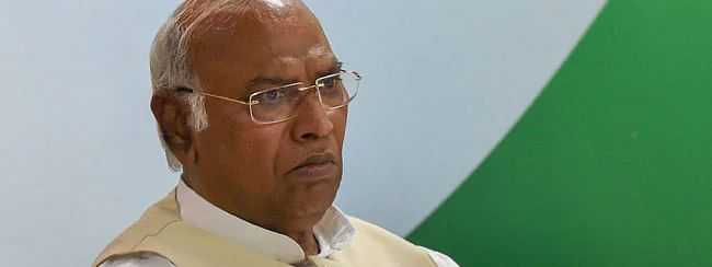 Kharge takes strong exception against Yeddyurappa for terming Rahul Gandhi as 'Bachha'