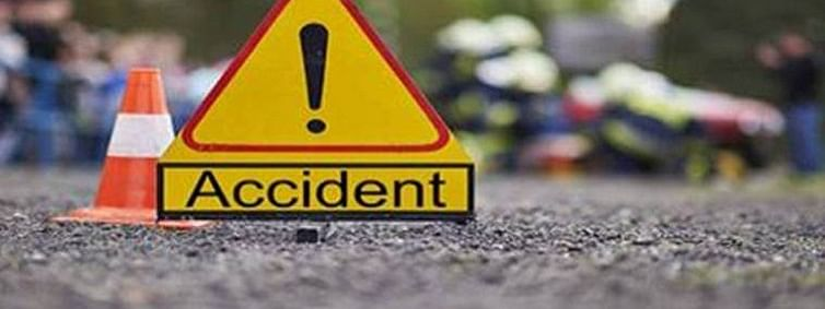 4 killed in collision between SUV and Truck in Garhwa