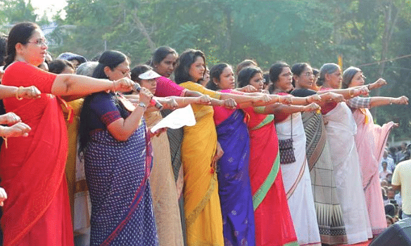 Tension at Women's Wall: Stones pelted by alleged BJP/RSS workers on volunteers