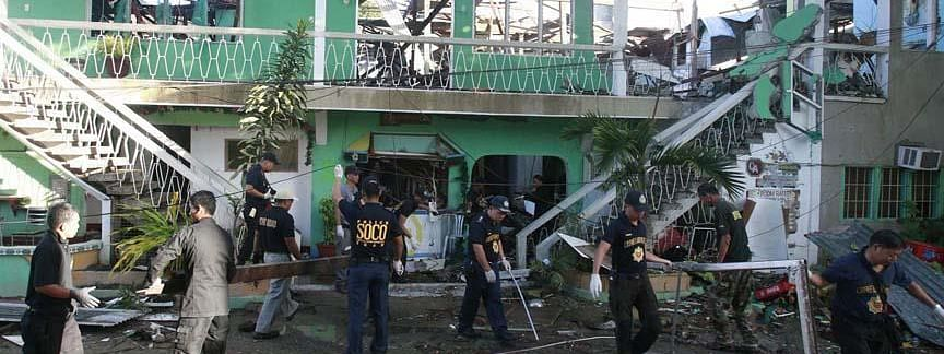 Grenade attack kills 2 in Philippines mosque