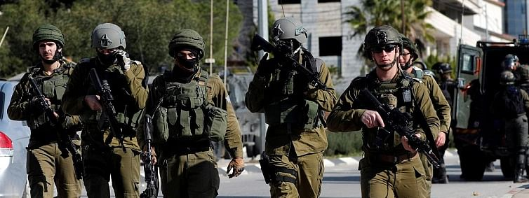 Six Palestinians injured in clashes with Israeli soldiers in Ramallah: medics