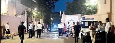 Karnataka MLAs inside, media persons keep vigil outside Mumbai luxury hotel
