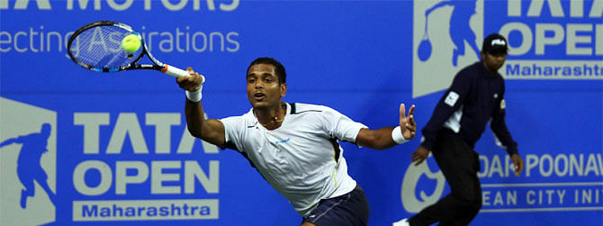 Italy ahead 1-0 beat India's Ramanathan 6-4, 6-2 in Devis Cup qualifiers