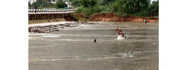 NGT slaps Rs 100 cr fine on TN Govt over polluted rivers
