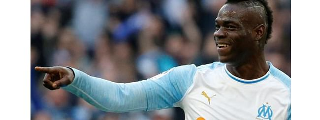 Monaco out of relegation zone, Balotelli carries Marseille forward