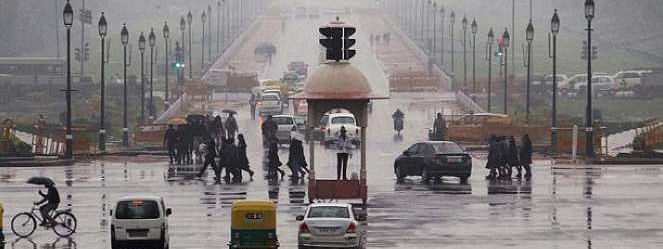 Rainy morning in Delhi, air quality 'moderate'