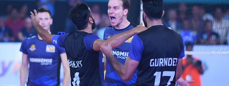 U Mumba Volley face Ahmedabad Defenders in a must-win match