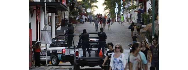 Five dead in gun attack in Mexican resort of Cancun