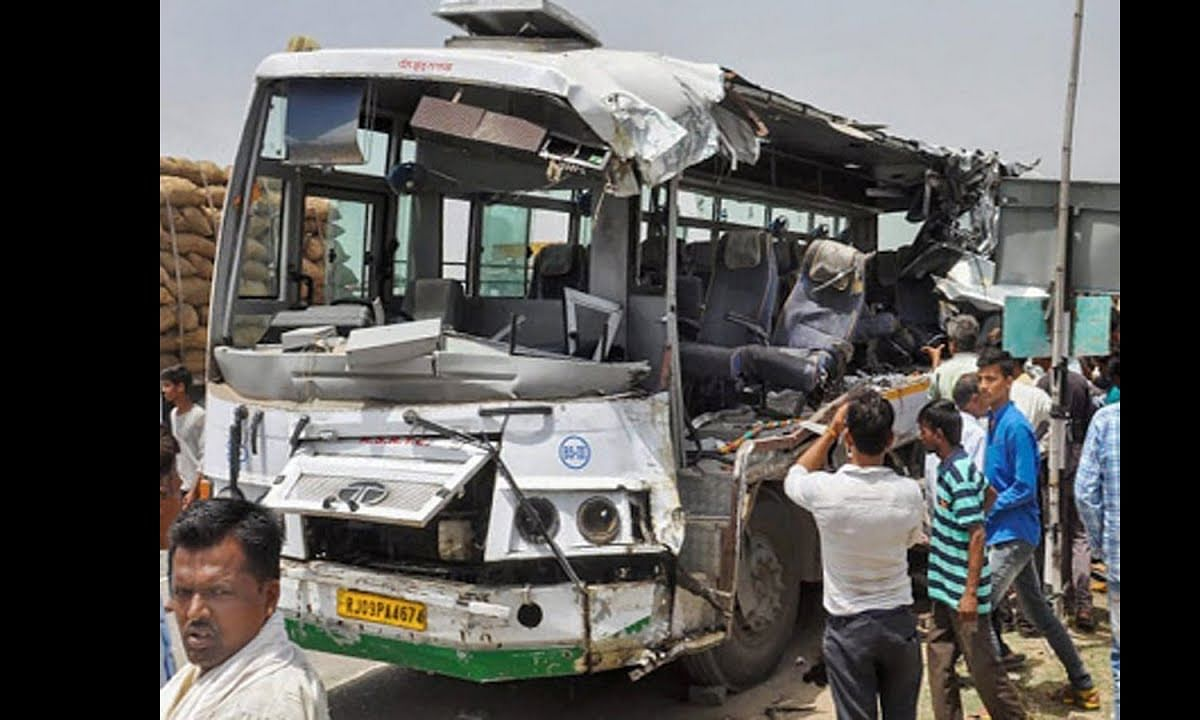 Six killed as buses collide in Rajasthan