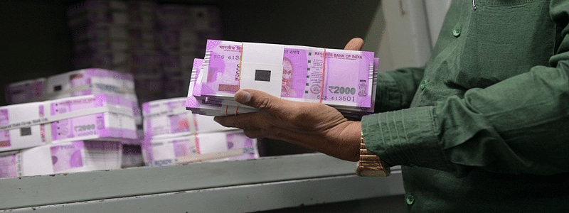 Rs 3 crore cash recovered in Lucknow, 6 detained