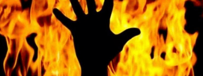 Four members of a family burnt alive in Bengal