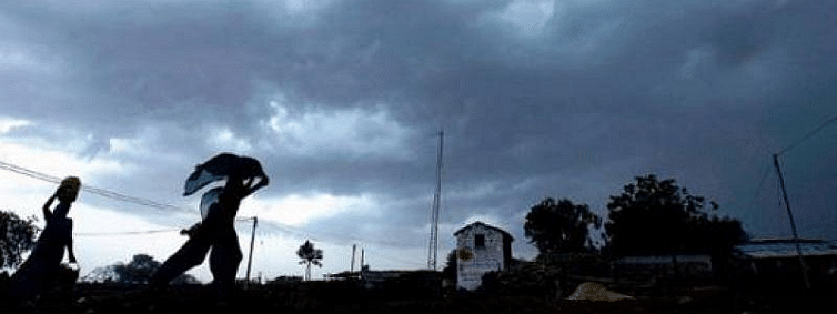 Thunderstorm with gusty winds likely in AP, Telangana