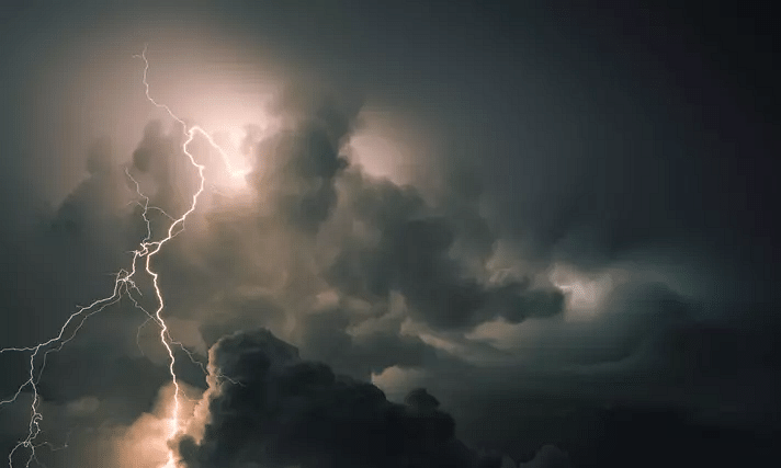 Thunderstorm with lightning likely to occur in parts of Kerala today