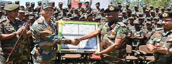 Sri Lankan Army Chief praises Indian troops' tactical drill