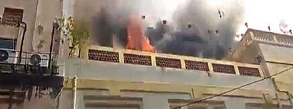 Fire engulfs a multi-storey building in city