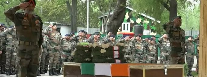 Army pays floral tribute to officer killed after falling into gorge near LoC