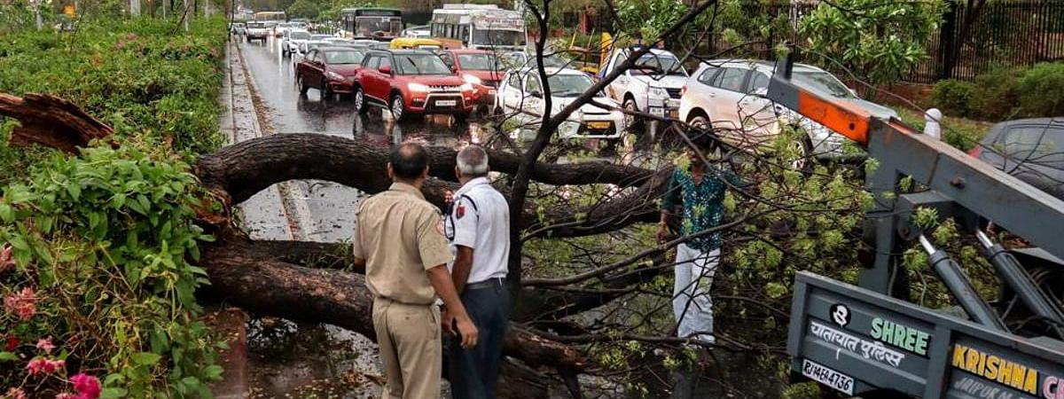 PM condoles loss of lives in storm, announces Rs 2 lakh each for kin