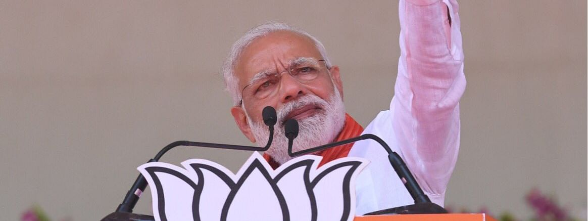 PM seeks voters 'blessings' in Guj