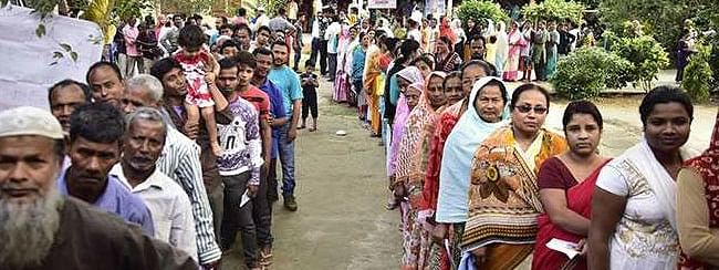 UP: 45.06 pc till 3pm; minor clash in Barabanki