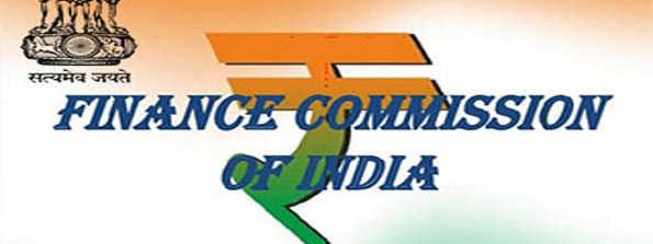 Finance Commission discusses economic situation with officials