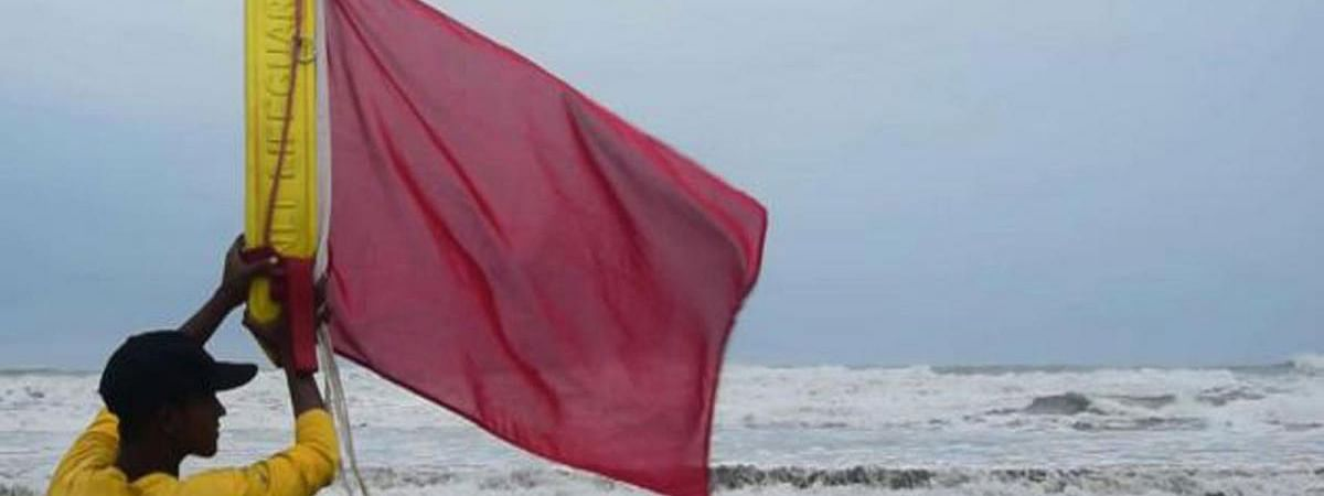 Bangladesh: Warning Signal 4 hoisted for maritime ports as cyclone Fani gathers strength