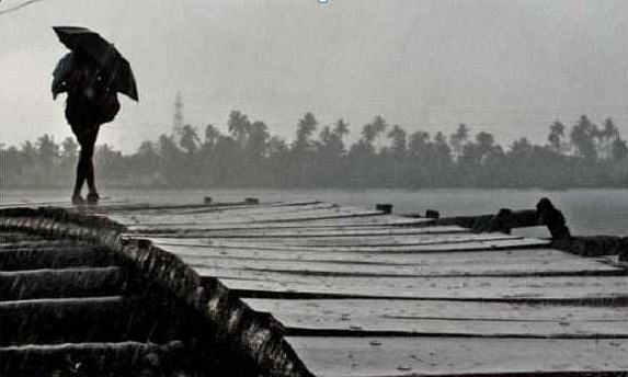 MET predicts Thunderstorm with lightning in Kerala today
