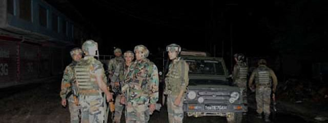 Top JeM commander among 3 militants, soldier and civilian killed in Pulwama encounter
