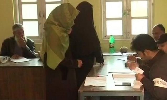 Polling begins in Pulwama, Shopian on dull note, good voting in Ladakh
