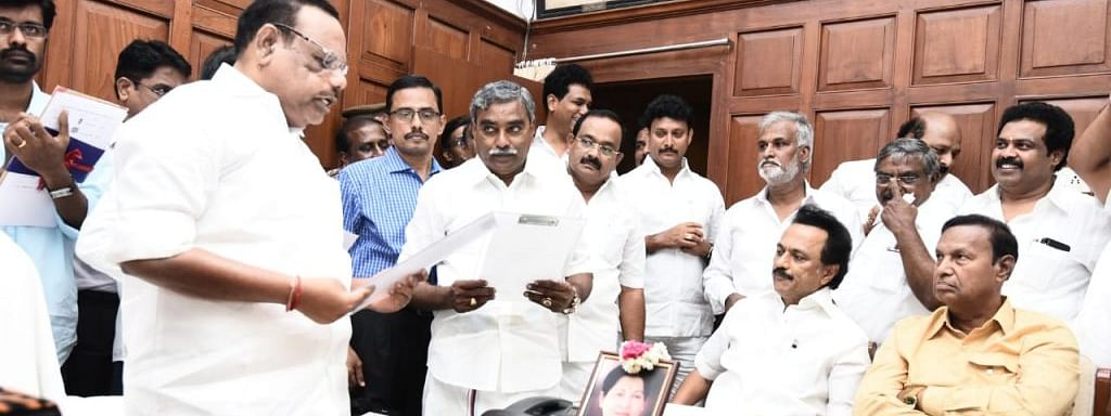 13 DMK MLAs take oath, stage set for trial of strength