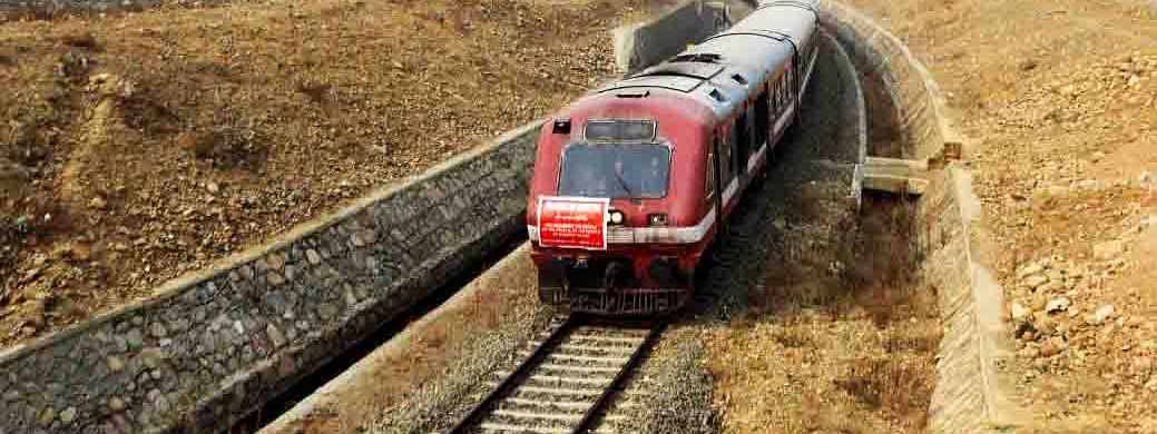 Train service resumes in Valley