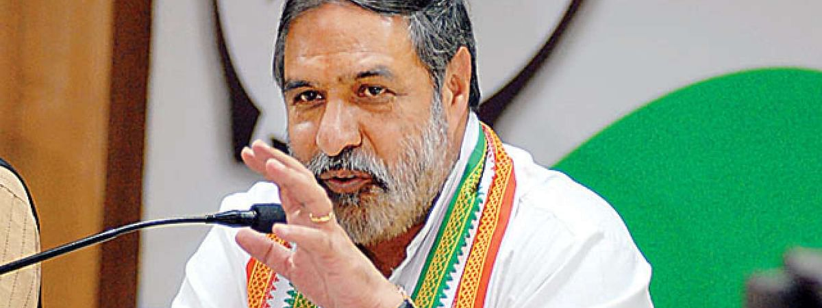 Modi trying to gain sympathy of voters: Cong