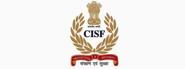 CISF restores a bag containing Rs 55,760 to the rightful owner in Delhi metro