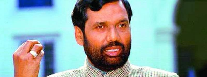 Paswan cautions of 'tit for tat' on Oppn threat about post-poll violence