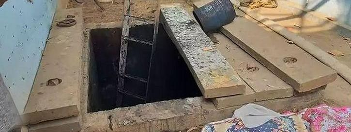 2 labourers die after inhaling poisonous gas