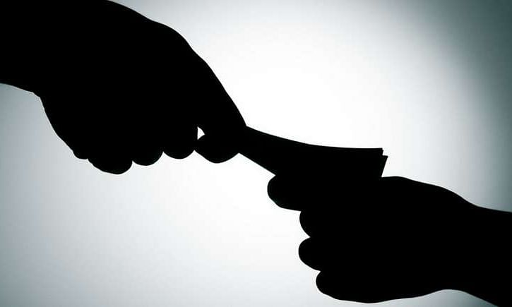 ACB officials arrests a private official for demanding bribe of RS 10,000