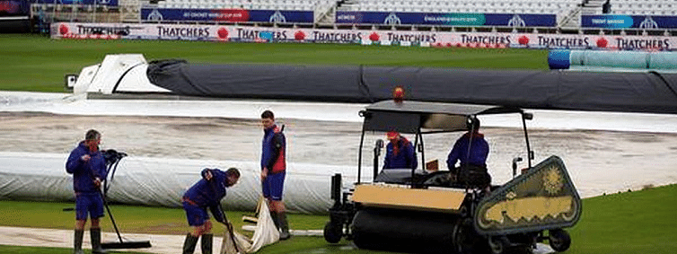 India vs N Zealand: Rain holds up match