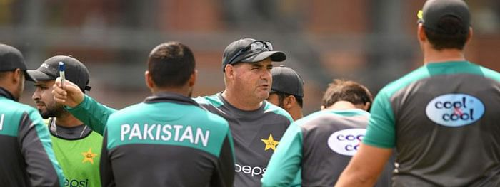 Arthur wants Pakistan to 'not hold back' against India