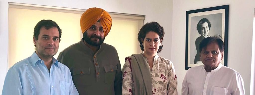 Punjab Cong spat at its peak, Sidhu meets Rahul, Priyanka in Delhi
