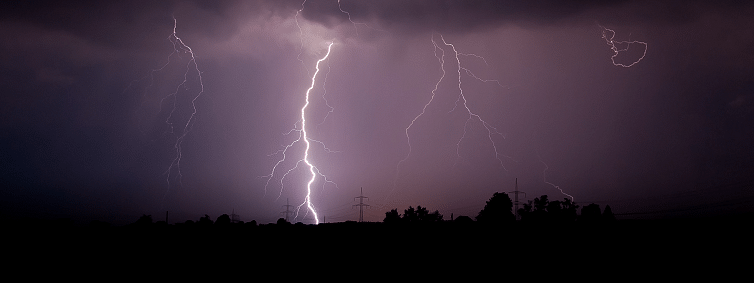 Thirty-five die in UP thunderstorm