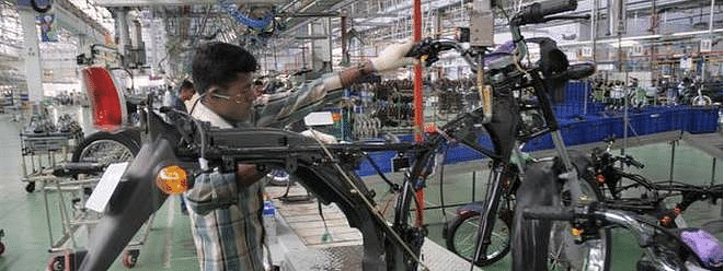 IIP declines to 3.1 pc in May