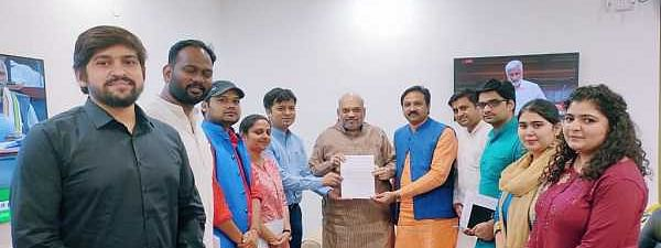 ABVP delegation meet Amit Shah