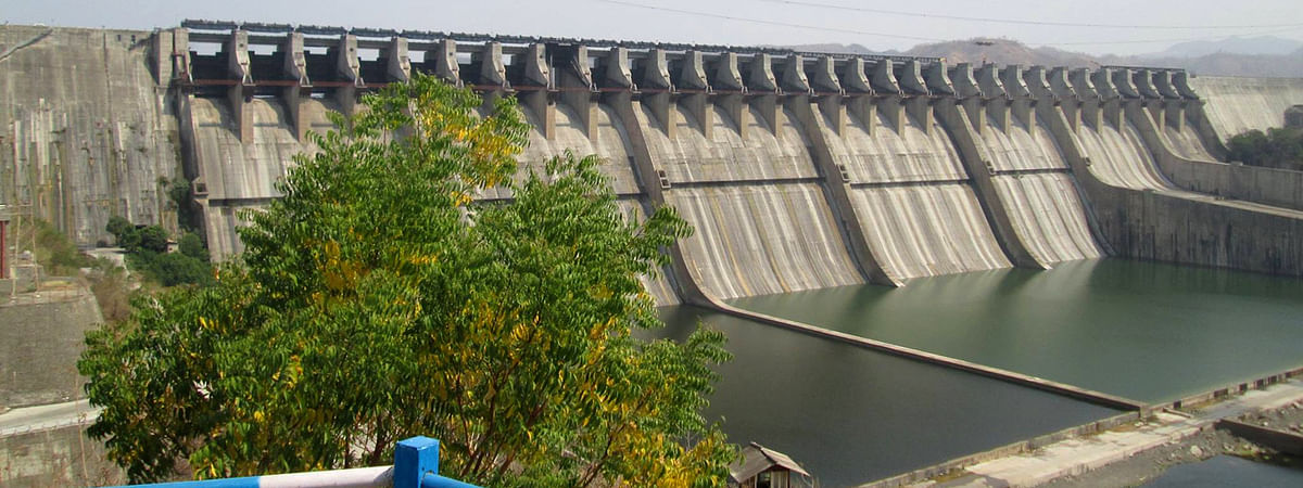 Sardar Sarovar Dam level rises