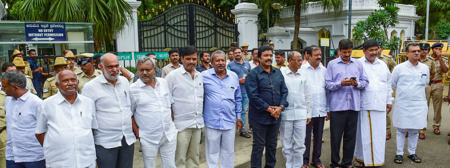JDS MLAs to meet at noon in Bengaluru, more resignations imminent in Congress