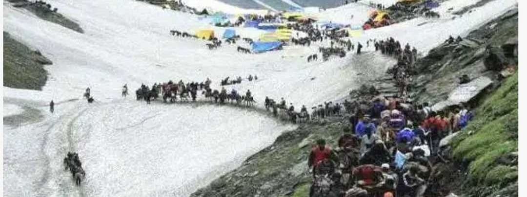 Despite cloudy weather, fresh batches of yatris leave for holy cave