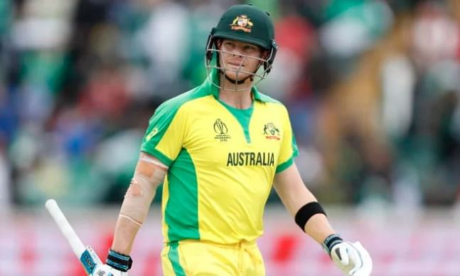 Half-ton for Steve Smith; Australia cross 175-mark