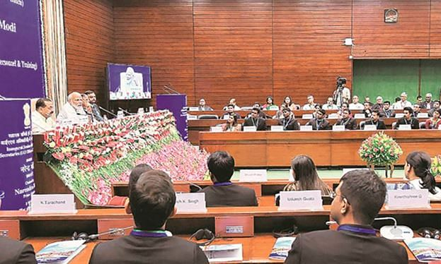 PM calls on IAS officers to bring new vision to solve problems